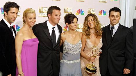 David Schwimmer, Lisa Kudrow, Mathew Perry, Courtney Cox Arquette, Jennifer Aniston ja Matt LeBlanc juhlivat parhaan komediasarjan Emmy-palkintoa 2002.