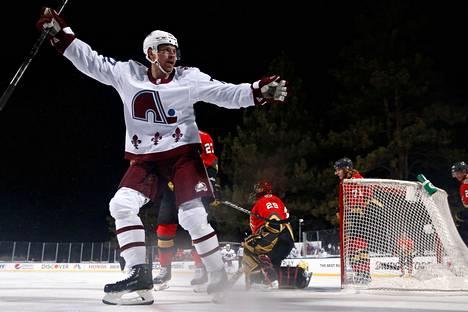 Donskoin (kuvassa) ja Mikko Rantasen edustama Colorado Avalanche voitti viime viikonloppuna NHL:n ulkoilmaottelussa Tahoejärvellä Vegas Golden Knightsin.