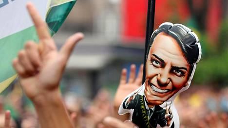Puhallettava vesio Jair Bolsonarosta nähtiin Sao Paulossa järjestetyssä, häntä kannattavassa mielenosoituksessa syyskuun lopulla.