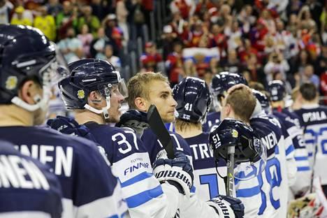 Suomi ei löytänyt lääkkeitä Ruotsin ja Venäjän kaatamiseen MM-kisojen kahdessa viimeisessä ottelussa.