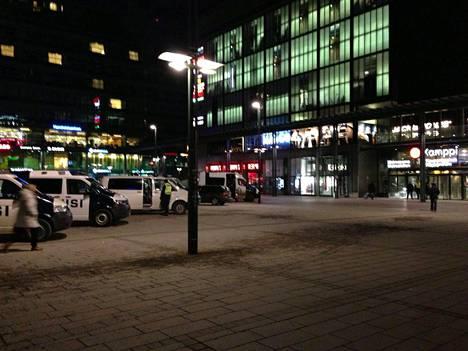 Helsingin Kampissa kirjattiin viime vuonna enemmän pahoinpitelyitä kuin kuin koko Rovaniemen tai Vaasan kaupungeissa.