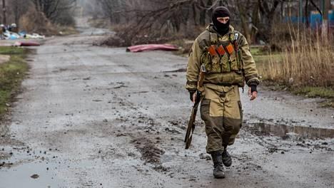 Tulitauko on rakoillut Itä-Ukrainassa.
