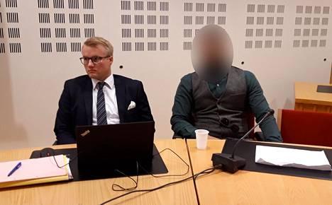 Syytetty meis (oik.) Rovaniemen hovioikeudessa keskiviikkona.