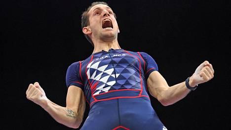 Renaud Lavillenie tuuletti MM-kultaa Birminghamissa.