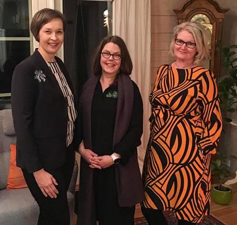 Jetta Liukkonen, Anne Jurvelin-Pummila ja Taija Sailio ovat kehittäneet tekstiililaastarin arjen avuksi.