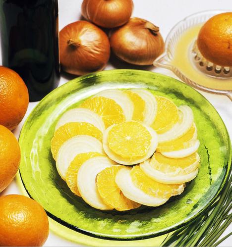 Appelsiini-sipulisalaatti ei ole ehkä se yleisin ruoka-annos enää 2020-luvulla.