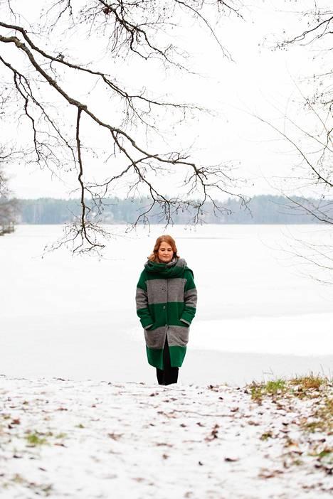 Talvisin piispa pulahtaa mielellään lähijärven avantoon. Se on yksi keino pitää pää kunnossa.