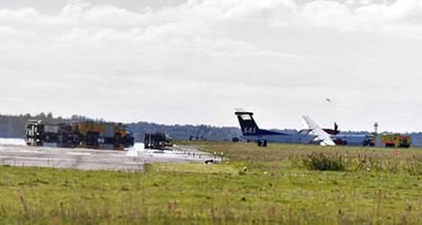 SAS:n pakkolaskun tehneessä koneessa oli mukana 76 matkustajaa.