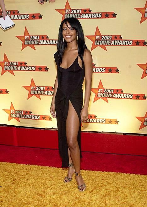 Aaliyah poseerasi Hollywoodissa vain kuukautta ennen kuolemaansa.
