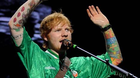 Ed Sheeranin ystävä kirjoitti tämän uusimpaan tatuointiin kirjoitusvirheen.