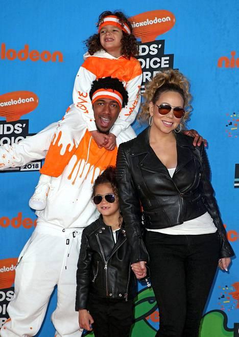 Nick Cannonilla ja Mariah Careylla on kaksi lasta, vuonna 2011 syntyneet kaksoset Moroccan ja Monroe.
