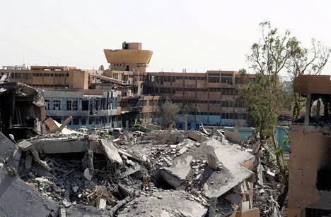 Syyrian Raqqassa sijaitseva sairaala, jota pidetään ahtaalle kaupungissa joutuneen Isis-järjestön viimeisenä linnakkeena, kuvattuna 8. lokakuuta.