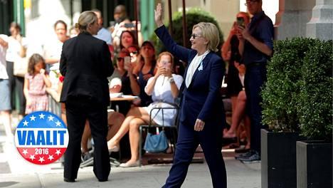 Hillary Clinton tervehti kannattajiaan 11. syyskuuta New Yorkissa.