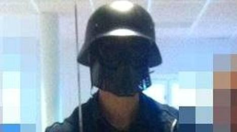 21-vuotias Anton Lundin Pettersson poseerasi kuvassa ennen veritekoaan.