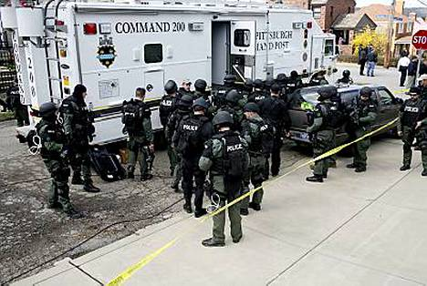 Kolme poliisia ammuttiin ja kaksi muuta haavoittui ennen kuin asemies saatiin aisoihin.