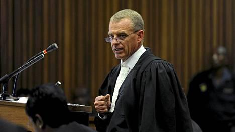 Syyttäjä Gerrie Nel sanoo, että Pistorius ei voi välttää tuomiota.