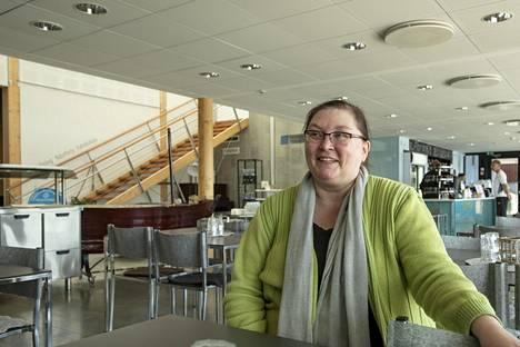 Matkailuyrittäjä Johanna Söderholm kehuu saariston luontoa ja ihmisiä.