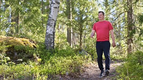 Säännöllinen liikunta tai reipas arkiliike näyttää vähentävän infektioriskiä 31 prosenttia ja riskiä menehtyä infektioon 37 prosenttia. Innostavaa tietoa korona-aikana!