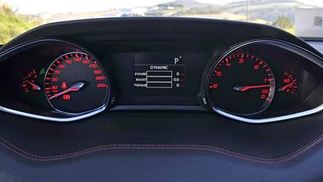 Peugeot 308 GT SW BlueHdi 180: myös diesel voi olla GT:n tapaan nautittava ajettava. Päämittarit epätavallisen kaukana toisistaan.
