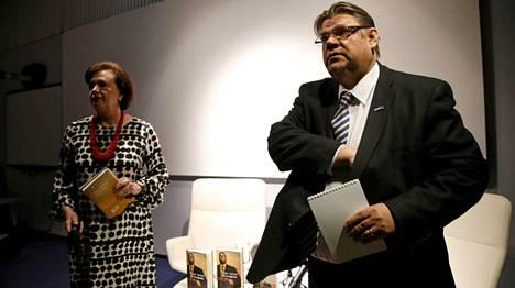 Soini kertoi kirjan julkistamistilaisuudessa, että kaikki puolueessa eivät välttämättä pidä hänen Peruspomo-kirjastaan.