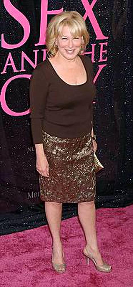 Laulaja-näyttelijä Bette Midler on tuttu myös useista elokuvista.