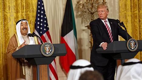 Kuwaitin emiiri Sabah al-Ahmed al-Jaber al-Sabah tapasi Yhdysvaltain presidentin Donald Trumpin Washingtonissa syyskuun seitsemäntenä päivänä.