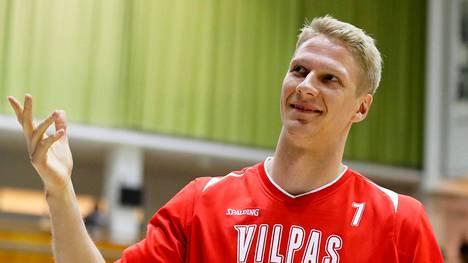 Värikäs koripallopersoona Juho Nenonen on myös yrittäjä.