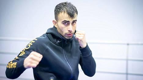 Makwan Amirkhani ottelee 3. marraskuuta New Yorkissa.