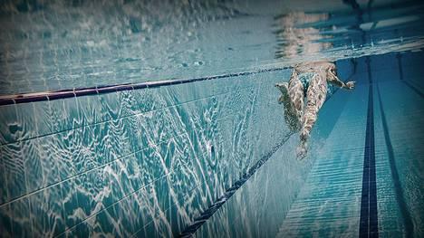 Jyväskylässä poliisi selvittää, onko uima-altaassa käyttäydytty sukupuolisiveellisyyttä loukkaavalla tavalla.