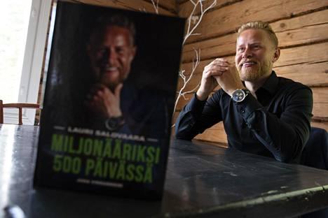 Lauri Salovaara on tunnettu projektistaan, jossa hän tahkosi 500 päivässä miljonääriksi, loppusaldona 1 134600 euroa.
