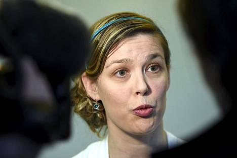 Poliisihallituksen kannetta ajava erikoissyyttäjä Anna-Riikka Ruuth rikollisjärjestö United Brotherhoodin lakkauttamiskanteen valmisteluoikeudenkäynnissä Itä-Uudenmaan käräjäoikeudessa Porvoossa tammikuussa.