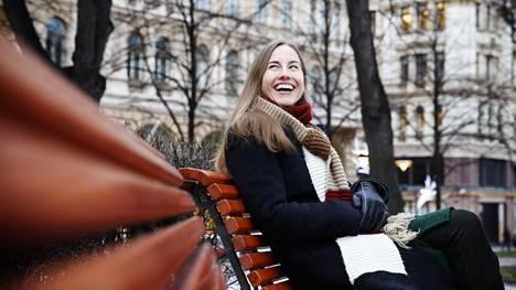 Anu Partanen kertoo, että New Yorkissa päivähoito voi maksaa niin paljon, että toinen vanhempi jää käytännössä kotiin.