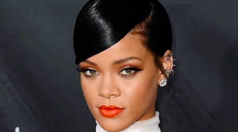 Poptähti Rihanna villitsee myös tyylillään.