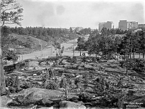 14. Fleminginkadun ja Helsinginkadun risteys vuonna 1911.