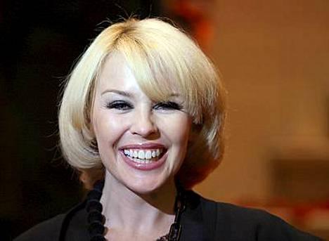 Kylie Minoguen rakkaus ei ole vielä sammunut.