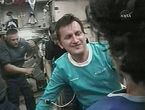 Avaruusturisti Charles Simonyi on palannut miljoonia maksaneelta reissultaan takaisin.