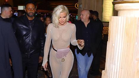 Kardashianien julkkisperheen jäsenet suosivat rohkeaa pukeutumista.