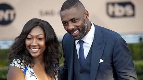 16-vuotias Isan on näyttelijä Idris Elban vanhin lapsi. Hänen äitinsä on Elban ex-vaimo Kim Nørgaard.