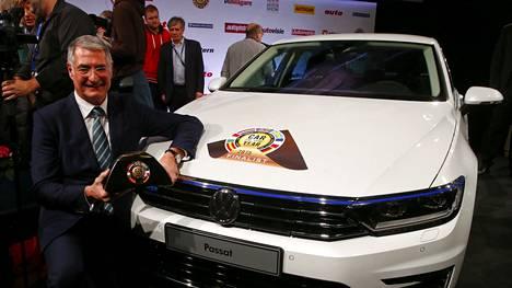 VW:n teknisen divisioonan johtaja Heinz-Jakob Neusser iloitsi voitosta.