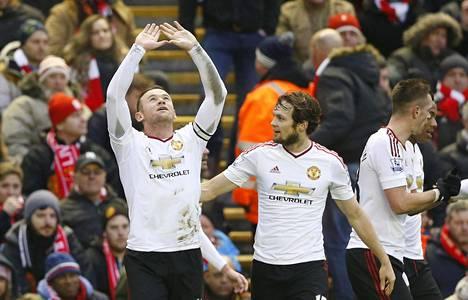 Wayne Rooney sai tuulettaa voittomaalia Anfield Roadilla.