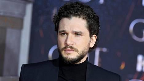Jon Snown roolissa nähty Kit Harington luopui parrastaan kuvausten päätteeksi.