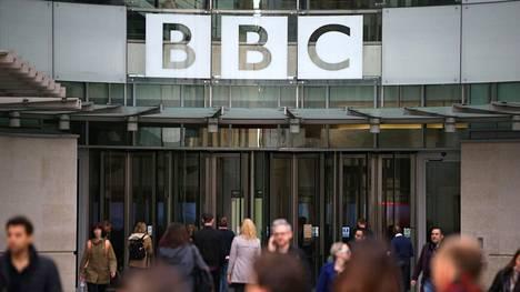 BBC lähetti runsas viikko sitten ohjelman, jossa kerrottiin kidutuksesta, systemaattisista raiskauksista ja väkivallasta, joista uiguurit kärsivät Xinjiangin maakunnassa. Kiina on sanonut ohjelman tietojen olevan perättömiä.
