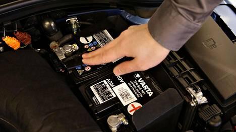 Erityisesti korkeat pakkaslukemat yhdistettynä toistuviin, lyhyisiin ajomatkoihin ovat auton akulle myrkkyä.