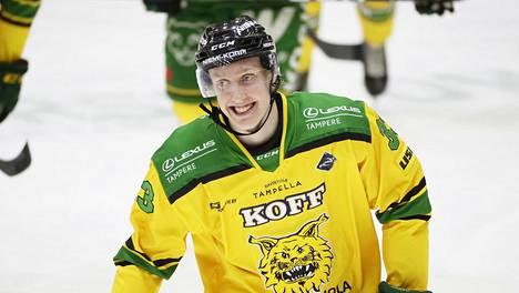Ilveksessä lainalla pelaava Lassi Thomson on Suomen MM-joukkueen kapteeni.