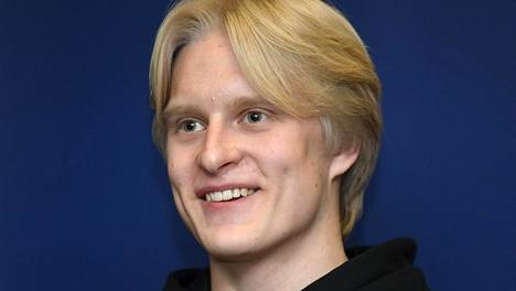 Topias Laine heitti nuorten olympiakultaa.