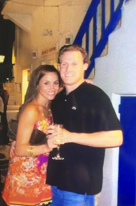 Meghan on ollut jo kerran naimisissa. Liitto ohjaaja Trevor Engelsonin kanssa päättyi vuonna 2013.