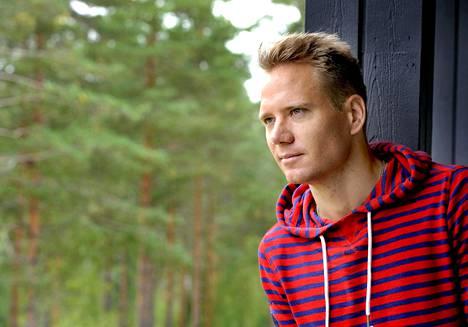 Ville Nousiainen sanoo, että surun keskelläkin on pystyttävä katsomaan tulevaisuuteen.