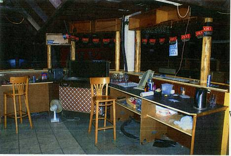 Kahvilassa myytiin pilsneriä viiden eurolla. Kahvila oli peitebisnes seksikaupalle.