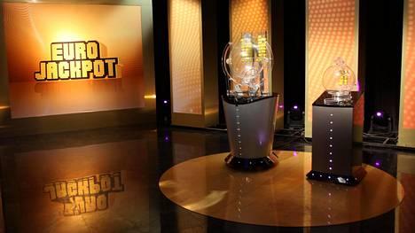 Eurojackpotissa oli perjantai-iltana tarjolla tuhti, noin 75 miljoonan euron päävoitto.