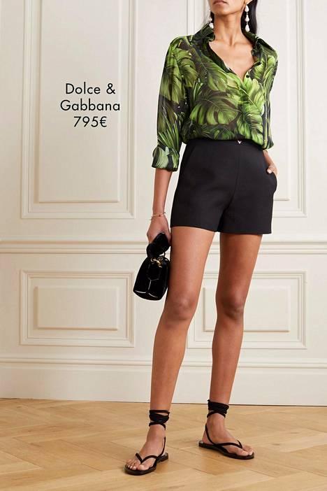 Esimerkiksi huippumuotibrändi Dolce & Gabbanalta löytyy valikoimistaan tyylikäs vihreäsävyinen ja viidakkohenkinen paita.